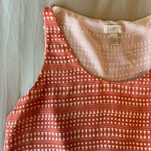 Loft pink and off white patterned lined tank